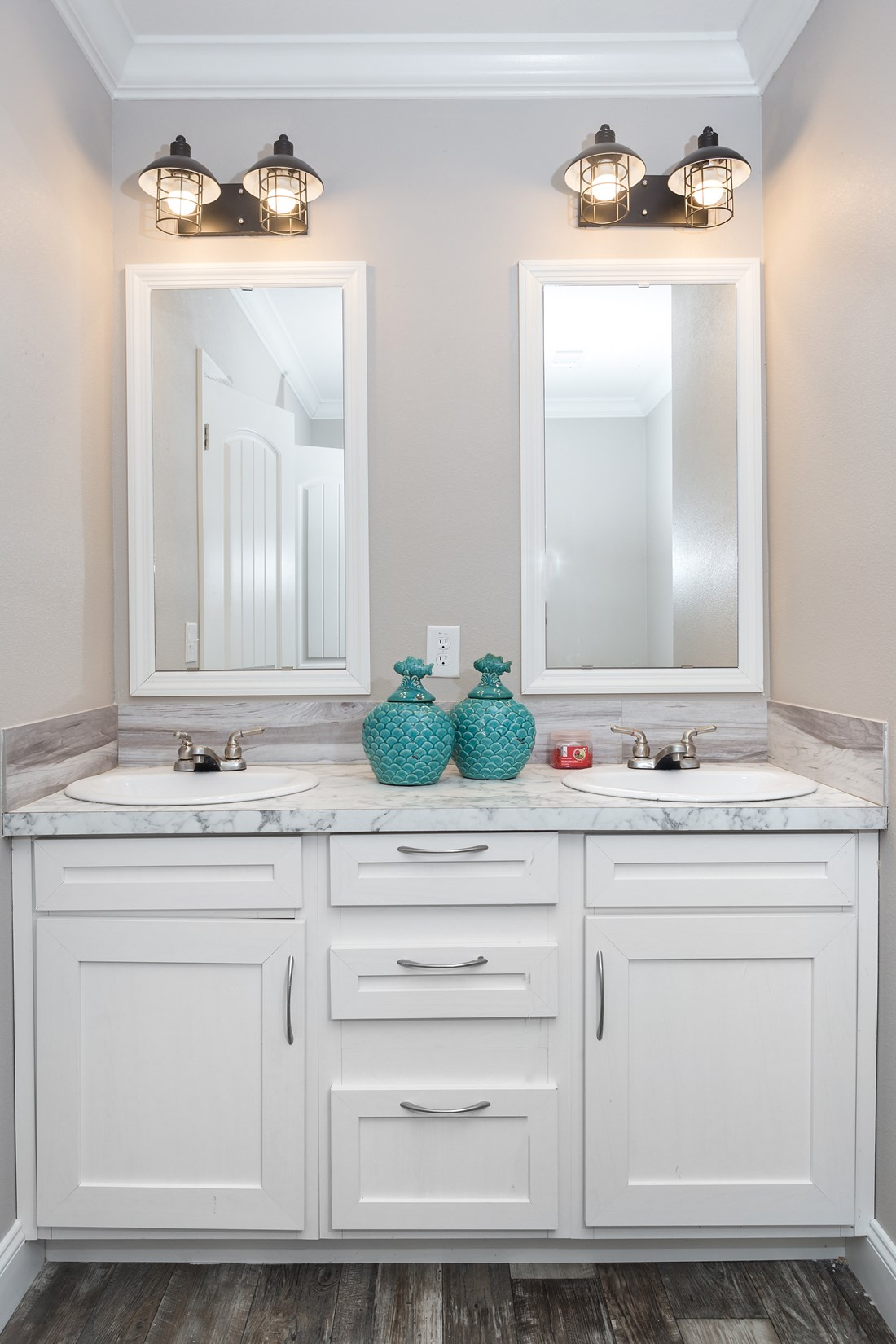 The THE BIG CLASSIC Master Bathroom. This Manufactured Mobile Home features 4 bedrooms and 2 baths.